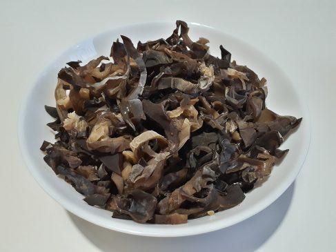 Фунчоза с овощами — подготовка грибов Моэр